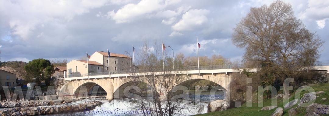 Vinon-sur-Verdon (83) vu du pont 31 mars 2010, photo © PhI