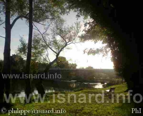 Vinon-sur-Verdon (83), berge et pont, 19.10.14 (c) PhI