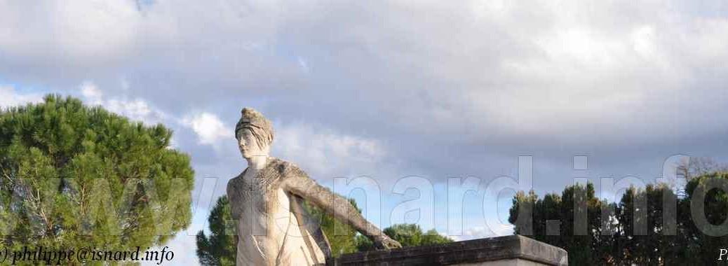Plan d'Orgon (13) Marianne, monument aux morts © PhI