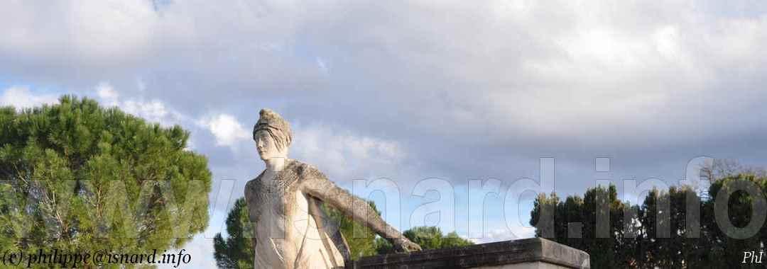 Plan d'Orgon (13) bando, Marianne du monument aux morts