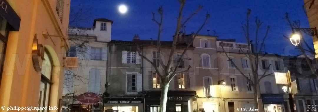 Arles centre-ville (13) rue prés. Willson, 8.1.20 © PhI
