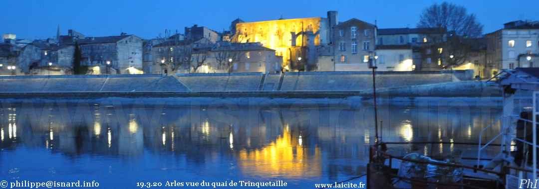 Trinquetaille, Quai-la-nuit (13) Arles 19.320 © PhI