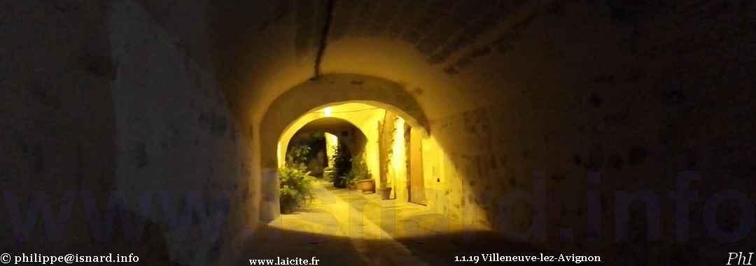 Villeneuve-lez-Avignon (30) centre-ville 11.11.19 © PhI