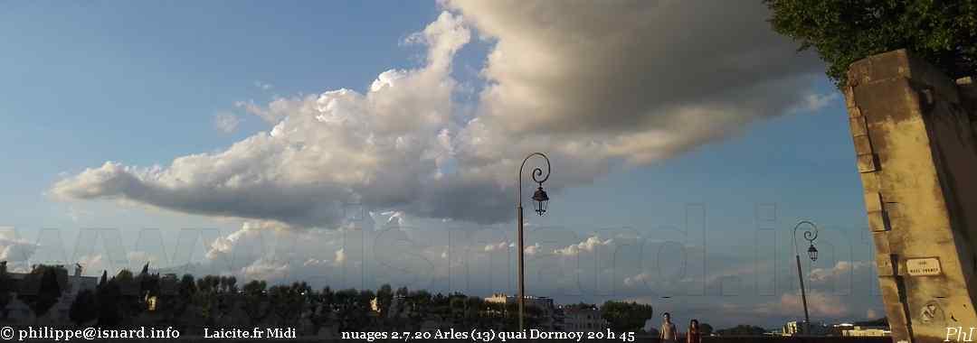 Arles (13) quai Dormoy 2.7.20, 20 h 45 © PhI